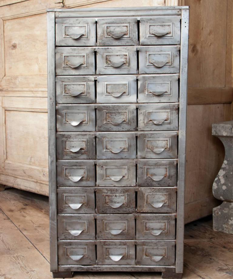 Industrial storage drawers
