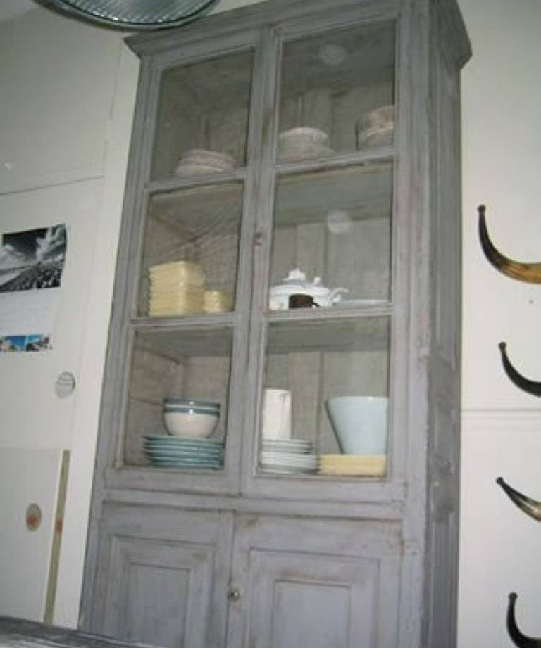 C19 painted dresser