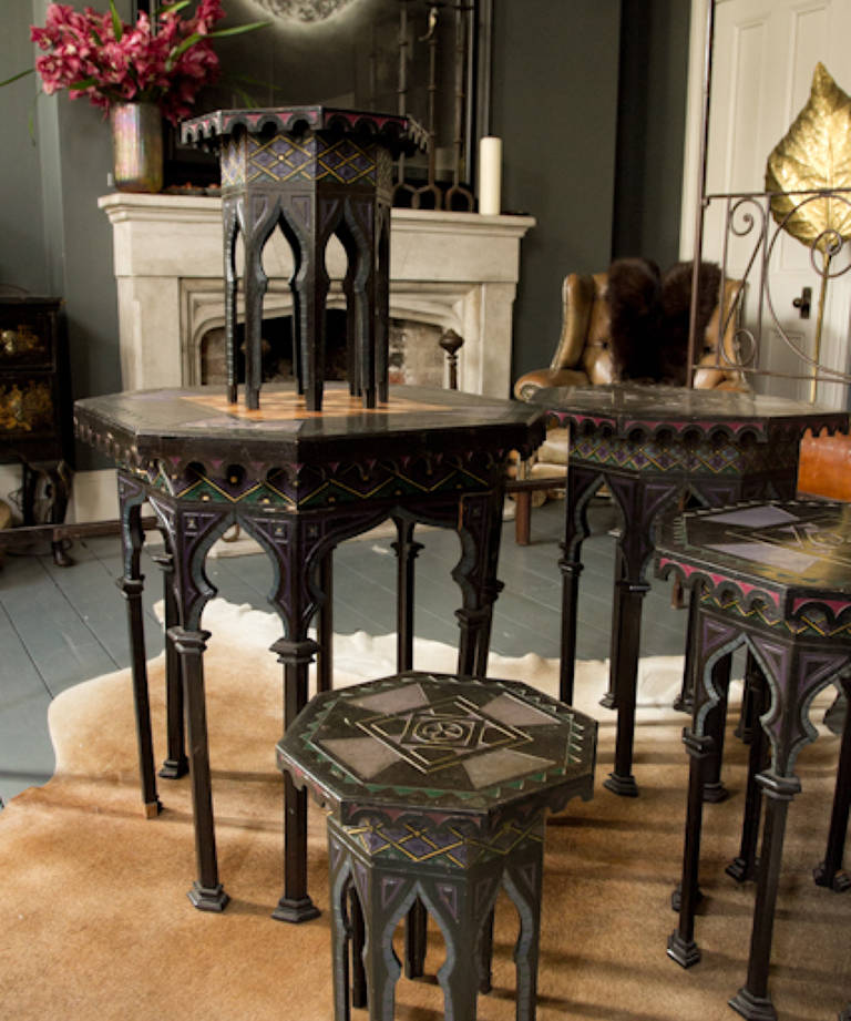 5x Moroccan tables