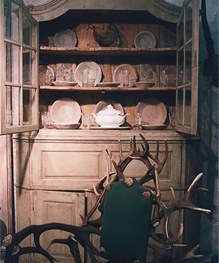 Late 18th century painted swedish vitrine