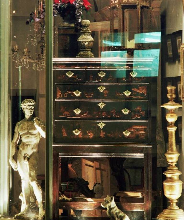 18c chest on stand