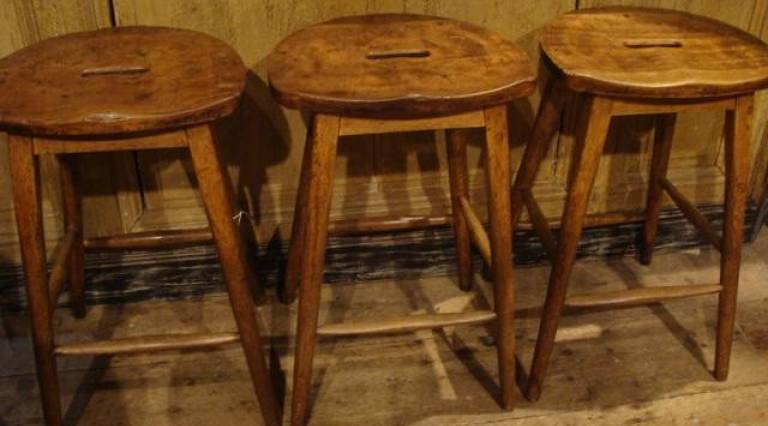 Lab stools